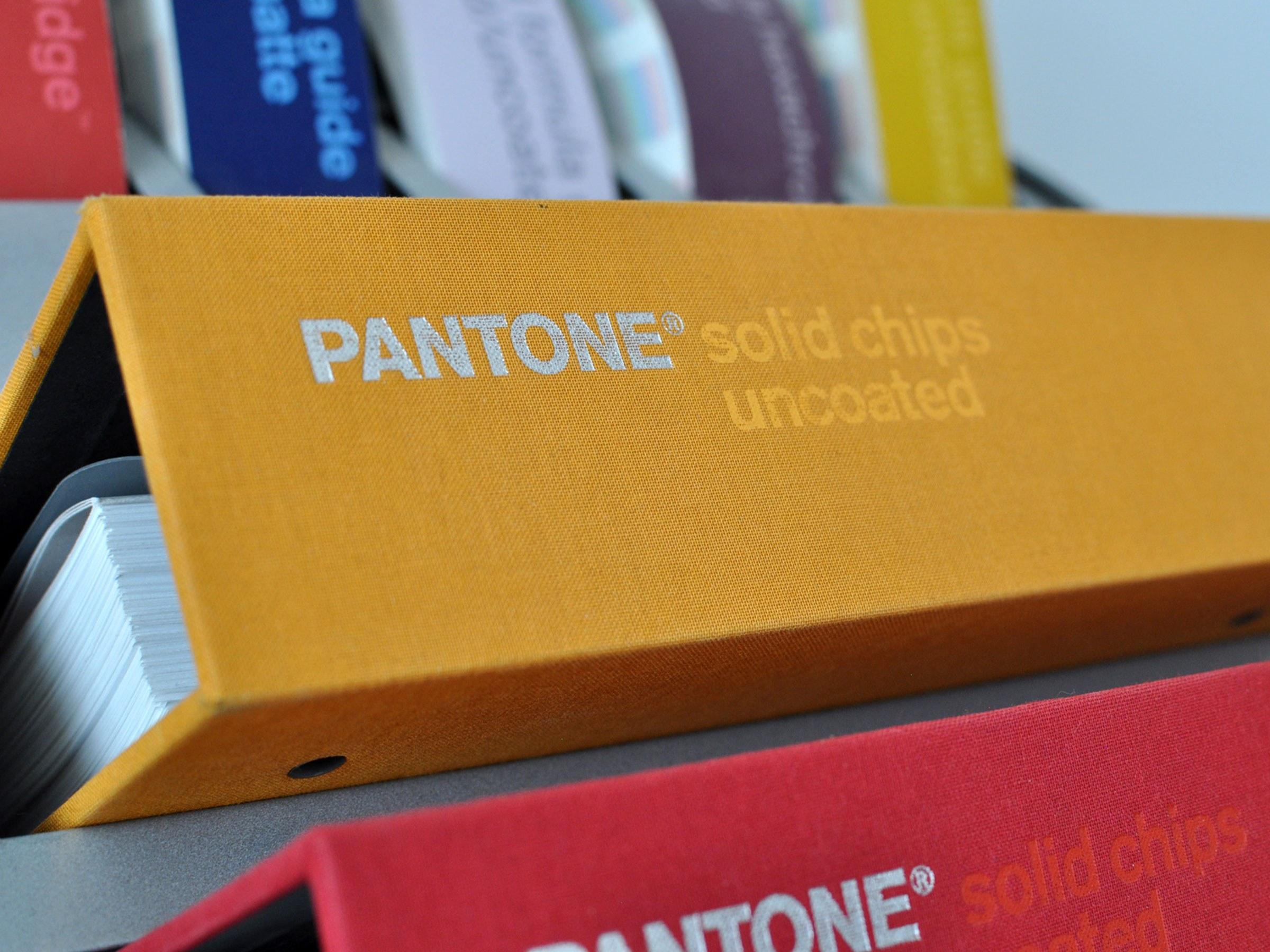 Studio Untuck Pantone Slider